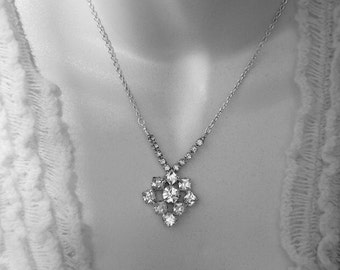Clear crystal rhinestone vintage Necklace Vintage jewelry