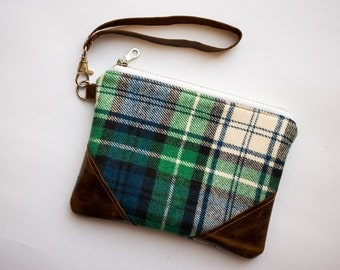 Leather Wristlet Clutch,Womens Gift Under 50,Green Plaid Wristlet,Teen Girl Gift For College Student,Holiday Purse,Small Purse,Zip Pouch Bag