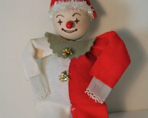Vintage 1960's Christmas Elf, Pipe Cleaners, Felt, Tinsel, Cardboard, Made in Japan, Great Condition!  Vintage Christmas Decoration