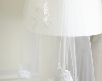 lace flower veil ,Bridal wedding veil - bridal  veil with lace  flowers and pearl beads----v113