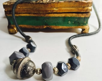 Vtg Charcoal Beaded Necklace