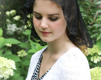 Evintage Veils~ Princess Style Sacre-Coeur Traditional Catholic Black  Lace  Mantilla Chapel Veil