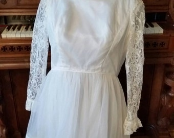 50's 60's Sheer White Wedding Dress Lace Sleeves Short Cupcake