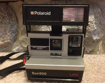 Vintage Polaroid Camera Sun 600 Land Camera Light Management System LMS