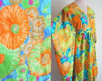 VINTAGE 1970s Flowered MuuMuu