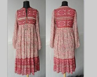 70s Red Vintage Hippie Dress // Flowerprint // Size S