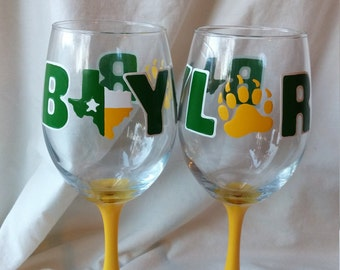 Baylor University Hand Painted Wine Glass Sailor Bear Sic Em Green Yellow White