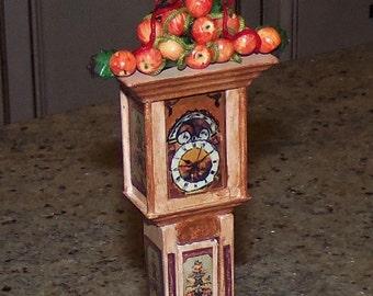 Apple Decor for 1:12th Dollhouse.  Christmas decoration.