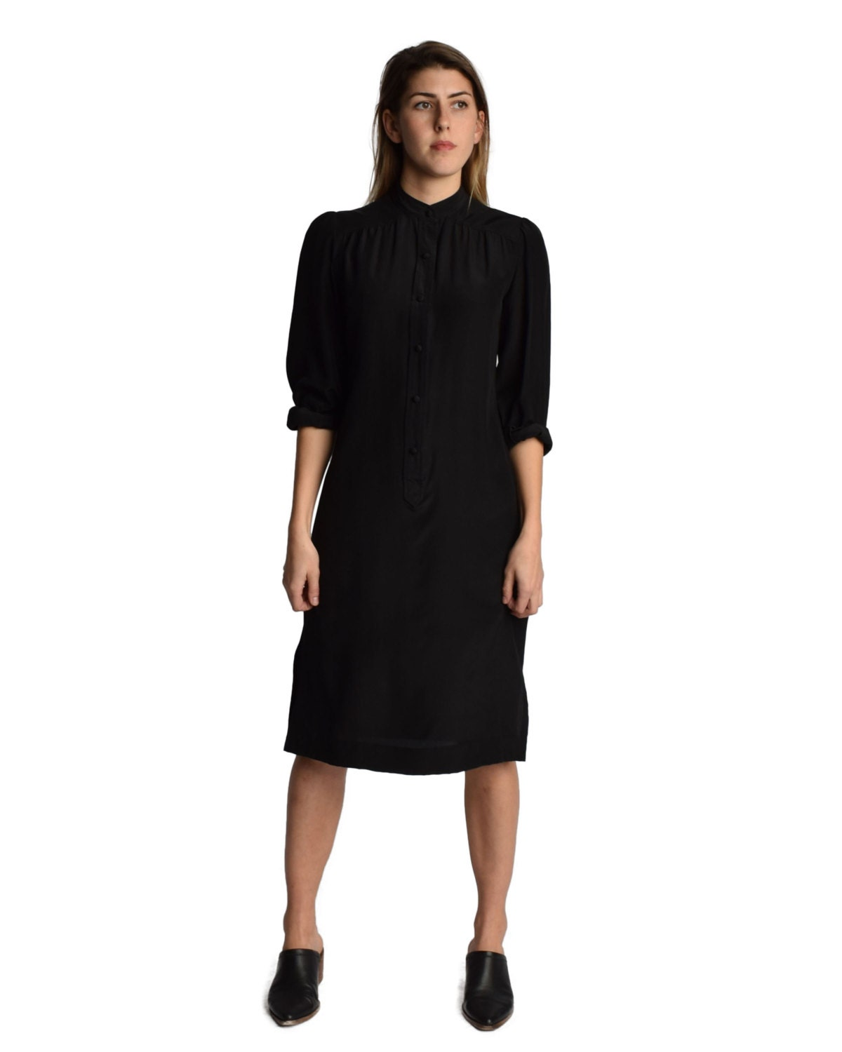 Shop the Brooks Brothers collection of women's blouses, tunics, shirts, tops, and dress shirts. Legendary quality and customer service are a click away. Crafted from high-quality materials like cotton, silk and wool, our blouses and tunic tops for women are comfortable and stylish. Choose from non-iron shirts in cuffed and non-cuffed styles.