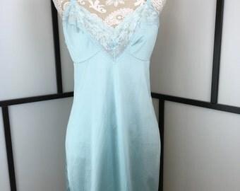 Blue Vintage Slip, Women's Lingerie, 60s Lace Slip, Light Blue Lingerie, Kayser, Size Medium or Large