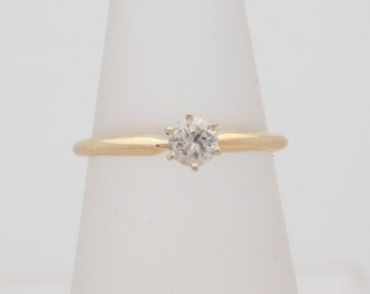 0.22 Carat Round Cut Diamond Solitaire Engagement Ring 14K
