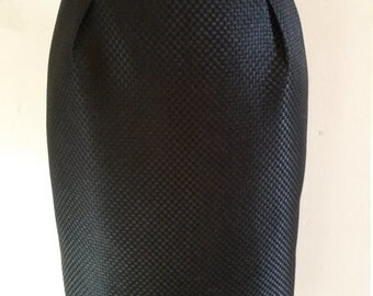 The small black skirt