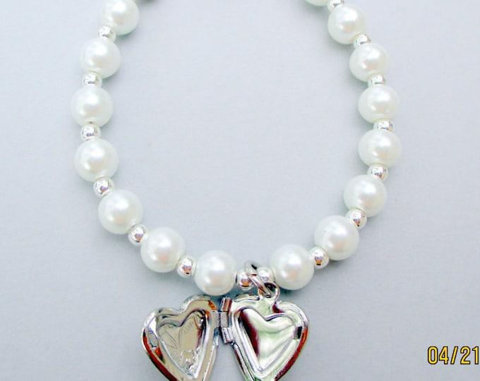 Toddlers pearl bracelet-girls heart locket bracelet-heart charm jewelry-heart locket necklace-little girls- birthday gift-pearl Jewelry set