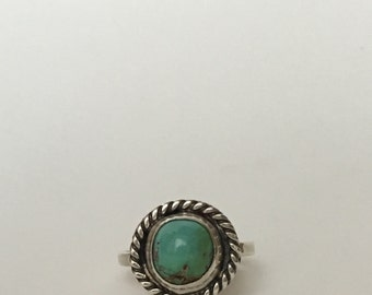 Round Turquoise and Sterling Silver Ring, US Size 6