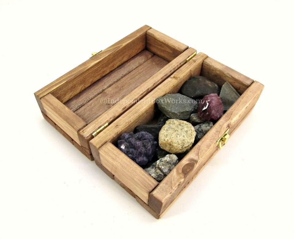 small wooden gift box with lid cherry stained little wood. Black Bedroom Furniture Sets. Home Design Ideas