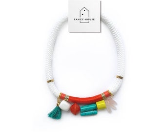 Necklace string white with colored stones
