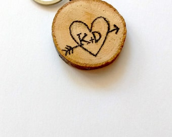 wooden keychain, Initials in heart, 5th anniversary gift, wedding gift, wood keychain, important date