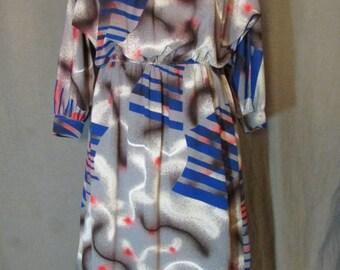 1980s Slouchy Midi Graffiti Dress   Spray Paint Gray Raglan Sleeve Dress with Elastic Waist   Medium M 8-10