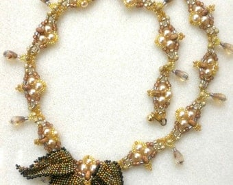 Natural Stone and Beaded Pearl Necklace