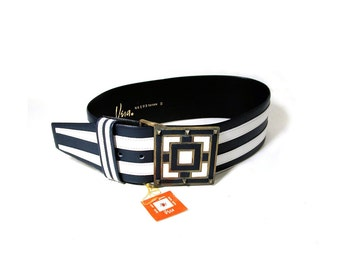 70s Deadstock VERA Belt, Wide Navy & White Geometric Striped Belt, MOD Vegan Leather Designer Belt New With Tags, Fits 27 to 31 inch Waist.