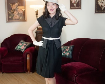 Vintage 1940s Dress - Sweet Black Rayon Crepe with White Windowpane Topstitching 40s Day Dress with Hip Pockets