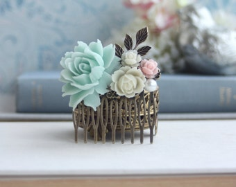 Mint and Ivory Flower Comb, Brass Leaf Filigree Flower Collage Hair Wedding Comb, Bridesmaid Comb, Woodland Comb Mint Country Nature Wedding