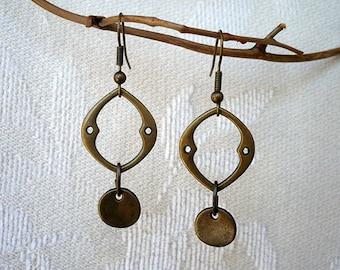 Primitive Form Brass Hollow Leaf Earrings
