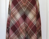 1970s Vintage Classic Plaid A-Line Skirt, High Waisted, Maroon, Burgundy, Size M