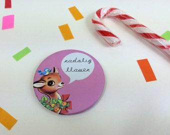 Badge Nadolig Llawen Welsh Text Merry Christmas Retro Pink Reindeer 58mm