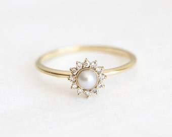 White Pearl Ring with diamonds, Pearl Engagement Ring, Diamond Pearl Ring, Pearl And Diamond Ring, 14k gold