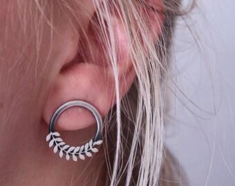 Open circle, stud earrings.Eternity circle earrings. Stud earrings.Minimalist jewellery.Modern earrings. Silver leaf earrings.