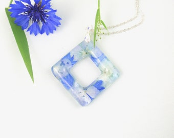 Real Flower Resin jewelry, Resin Pendant Necklace, Pressed flowers, Resin Necklace, Blue flower necklace, Nature jewelry, Cornflower