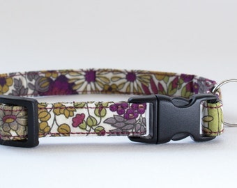 Cat collar handmade in Liberty Margaret Annie fabric