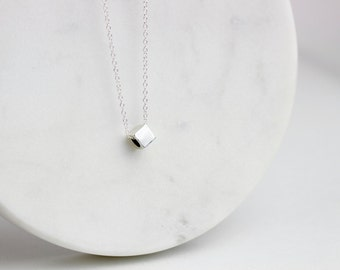 Silver cube necklace / Square cube necklace / Geometric necklace / Square bead necklace / Minimal necklace / Necklace with cube bead