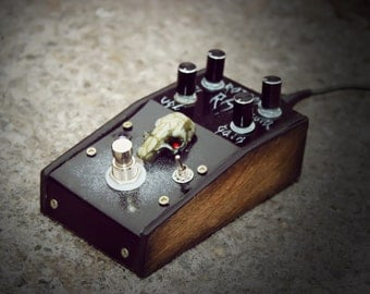 The Rotten Rat distortion effect guitar bass pedal  (ProCo Rat moded clone) with test video