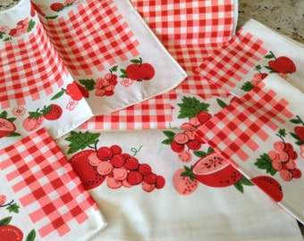 Vintage Red Checked Table Cloth and Napkin Set (new old stock)