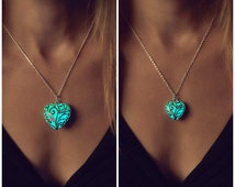 Matching Mommy Daughter - Mother Daughter - Twinning - Besties Necklace - Mommy and Me - Glow in the Dark - Glowing Necklaces - Kids - Mom