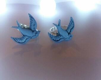Rockabilly Kitsch Swallows Ring.