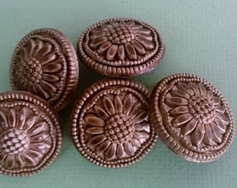 5 Jewellery Buttons Antique Gold Coloured Sunflower Embossed Buttons with Shanks