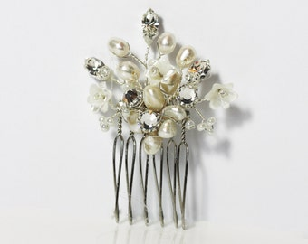 Bridal pearl and diamante mini comb, bridal hair comb, flower hair comb, bridesmaids flower comb