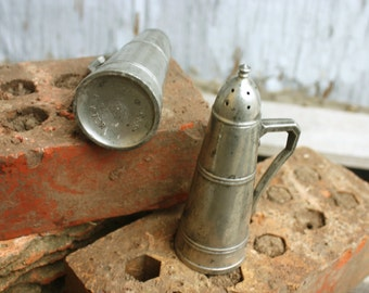 Peerless Pewter Salt and Pepper Shakers - Style 906