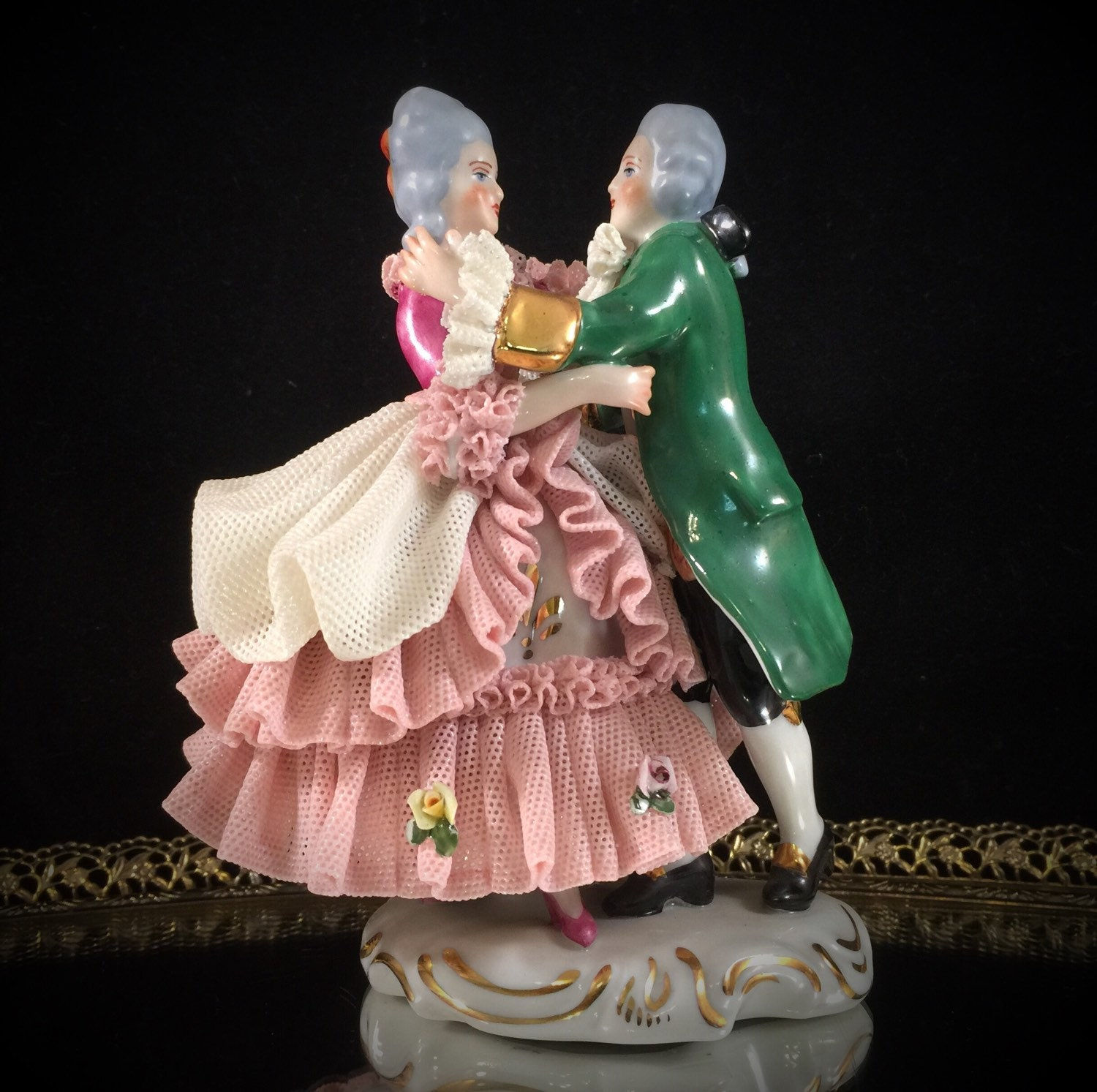Dating dresden figurines