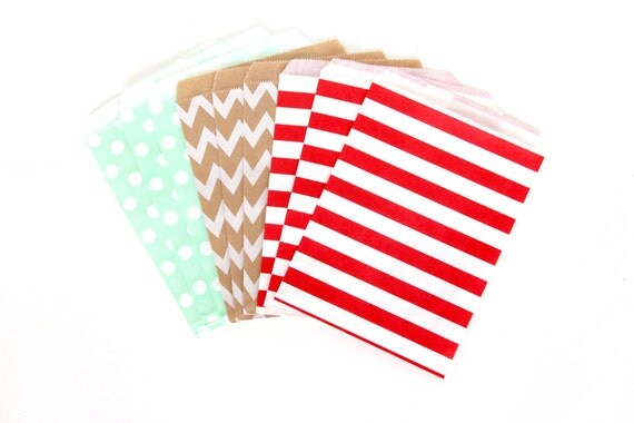 Vintage Christmas Treat Bags in Chevron Dot and Stripe , Red Mint White Treat Bags, Silver Popcorn Glitter Christmas Decor