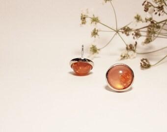 Peach resin earrings / Gold flakes resin earrings