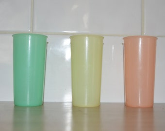 Three tumblers Tupperware vintage - pastel colors - kitchen or picnic retro - Festival