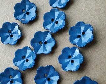 Blue flower plastic button, 20mm