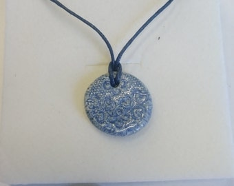 blue and white lace necklace