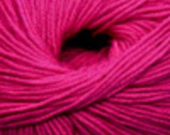 Free Shipping - Cascade Yarns 220 100% Superwash Wool - Berry Pink (837)