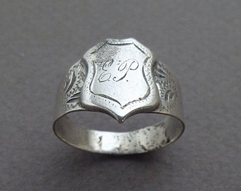Men's shield coin silver ring 1860 size 11