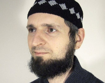Men's patterned crochet skullcap (tubeteika)